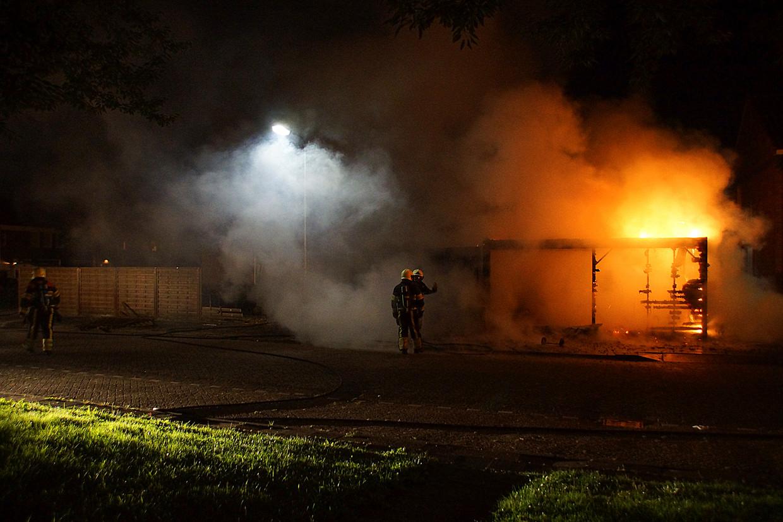 Zomer 2016: in Oss is een schuur in vlammen opgegaan. Buurtbewoners hoorden harde knallen. Daarna zagen ze de brand.