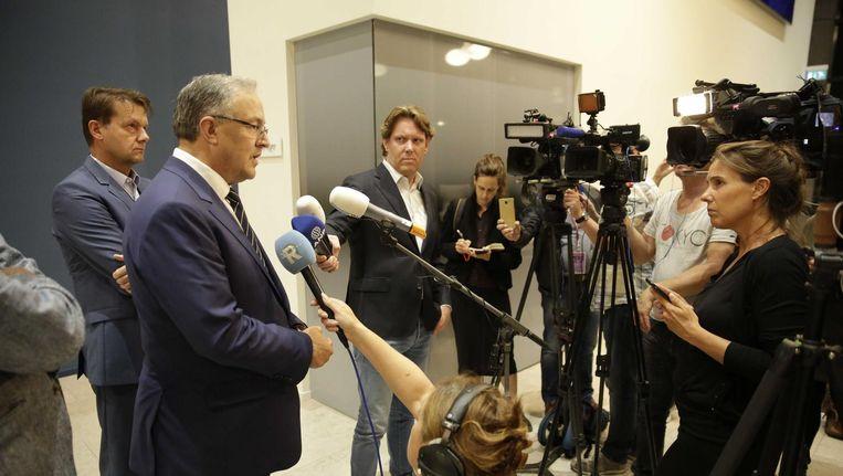 Burgemeester Aboutaleb staat de pers te woord over de terreurdreiging in Rotterdam. Beeld anp