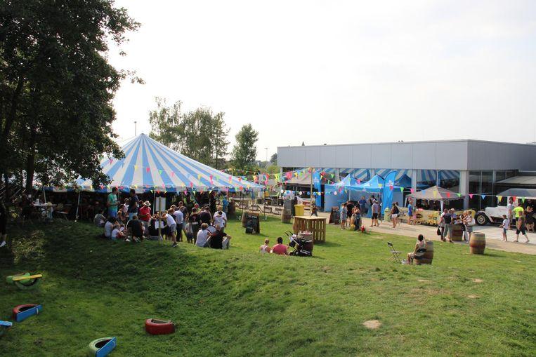 Domein Bevegemse Vijvers werd voor de gelegenheid ingericht als FRUN-dorp.