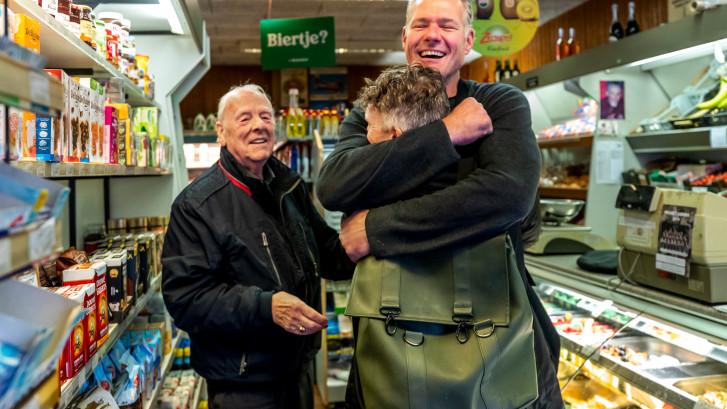 Na 79 jaar sluit Richard de deuren van de buurtsuper in Wittevrouwen, waar je nog op de pof kunt kopen