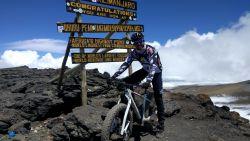Belg fietst in vijf dagen Kilimanjaro op
