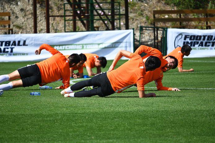Adios Marbella. Na een laatste training heeft Wuhan Zall FC besloten om Spanje weer te verlaten en terug naar huis te gaan. Daar is het inmiddels veiliger dan in Spanje.