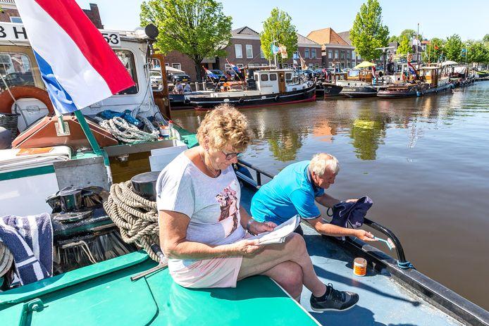 Wellicht het toekomstbeeld voor de haven in Genemuiden, veel boten en straks ook nog een wandelboulevard langs de Westerkaai.