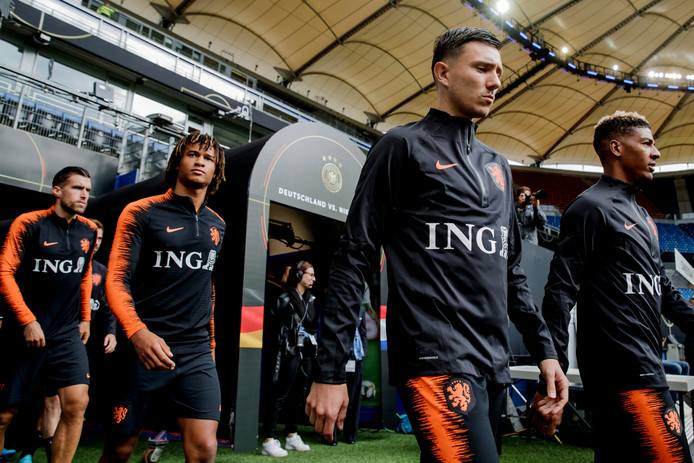 Steven Berghuis bleef bij Feyenoord. Jarno Waebeke, alias @GARRINCHA_, had hem graag naar PSV zien komen.