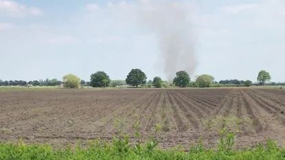 Opnieuw spectaculaire beelden: na de tornado van Loenhout nu de stofhoos in Sint-Lenaarts