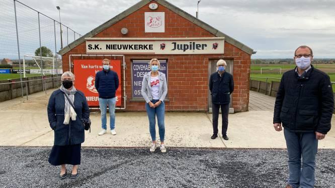 """CD&V-oppositie ongerust over vorderingen nieuwe kleedkamers en kantine SK Nieuwkerke: """"We hopen dat alles tijdig klaar geraakt"""""""