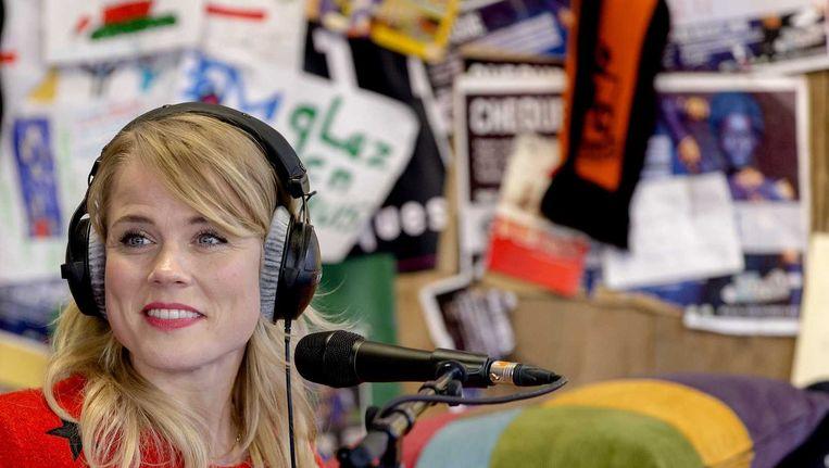 Ilse DeLange treedt op in het glazen huis van 3FM Serious Request. Beeld anp