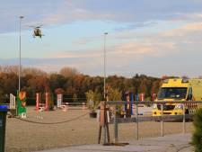 Persoon raakt zwaargewond na incident op manege in Nijkerk: traumahelikopter opgeroepen