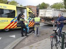 Vrachtwagen rijdt over been van fietsster in Eindhoven