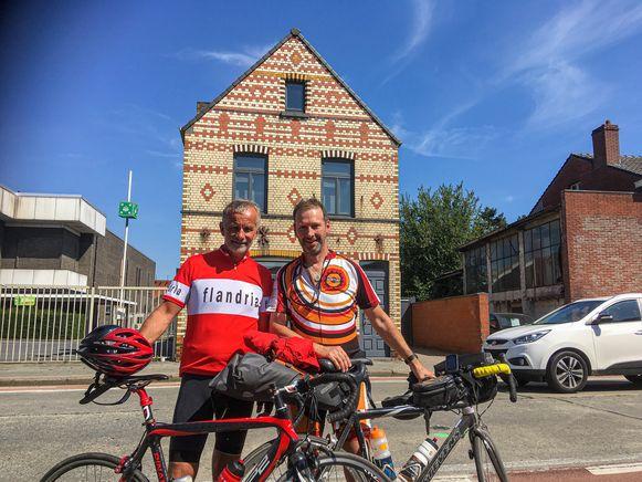 Geert Benoot en Christian Laube voor het huis.