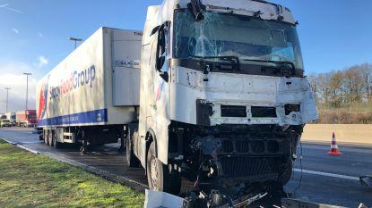 Ongeval met vrachtwagen op E19 zorgt voor 7 kilometer file: enkel rechterrijstrook nog versperd