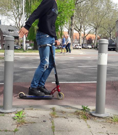 Terneuzen verwijdert overbodige paaltjes van stoepen en fietspaden