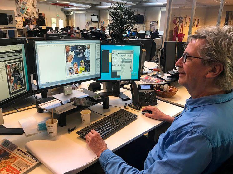 Vormgever Eric Schreurs zorgt ervoor dat de krant er aantrekkelijk en toegankelijk uitziet