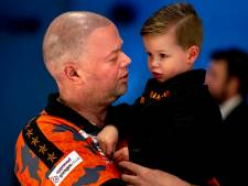 Van Barneveld krijgt in november biografie: 'Game Over'