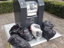 Avri constateert na piek nu daling van aantal vuilniszakken naast de container