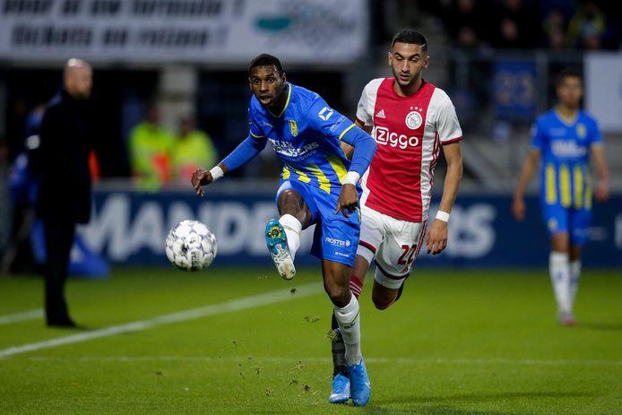 Saïd Bakari (links) trof vorig seizoen doel voor RKC tegen Ajax. Hakim Ziyech (rechts) heeft Ajax in de tussentijd verlaten.
