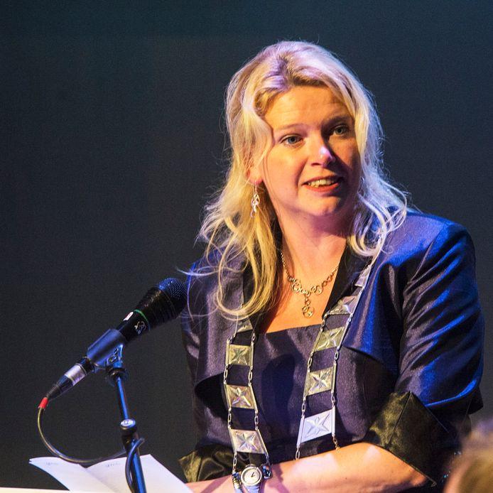 """Willemijn van Hees, burgemeester van Heusden, is een van de ondertekenaars van dit opiniestuk van liberale feministen: ,,Wij vinden dat goed beleid zowel een mannen- als een vrouwenhand nodig heeft."""""""