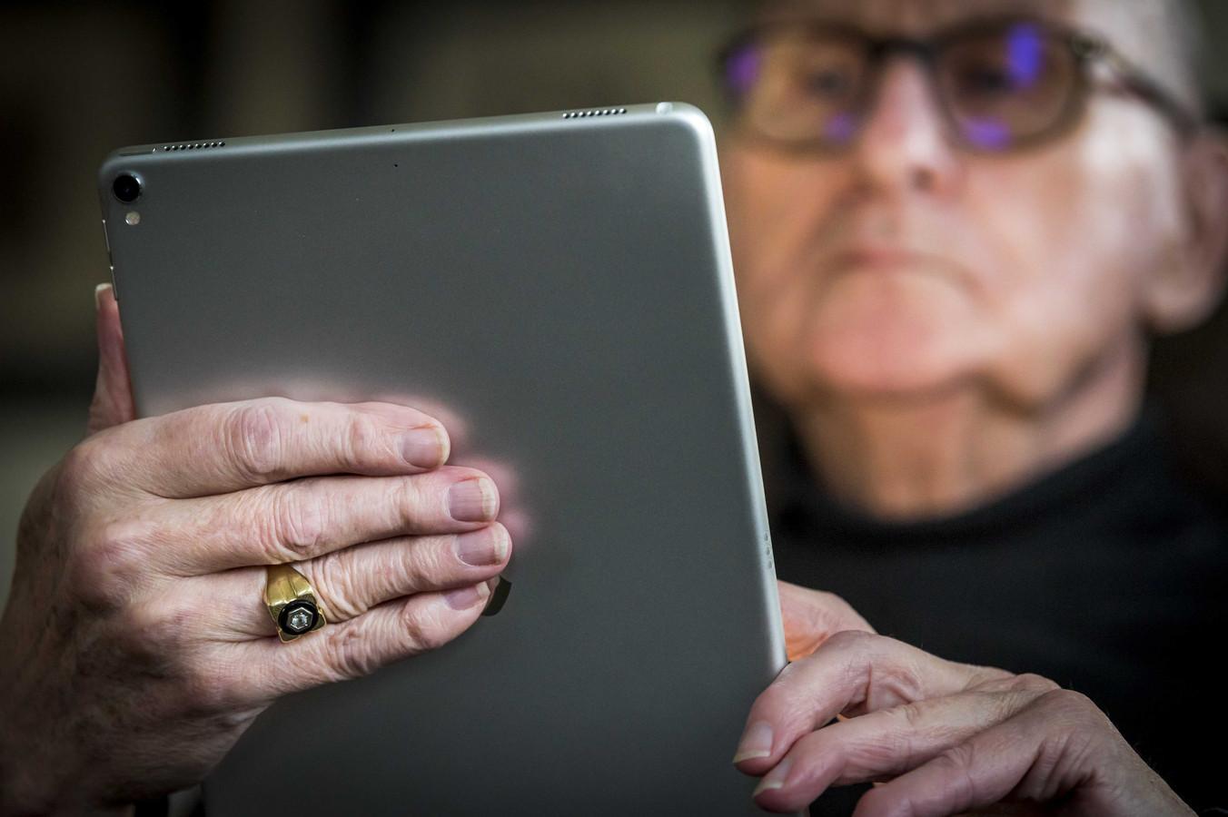 Buurtgenoten helpen in Moergestel ouderen die nog net zelfstandig kunnen wonen.
