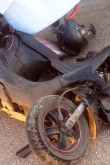 Twee tieners gewond na ongeval met scooter in Nieuw-Lekkerland