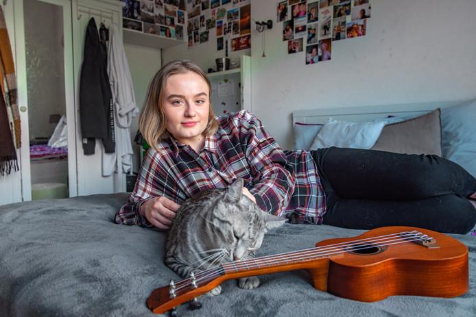 ,,Ik probeer ukelele te leren spelen. Dat is zo'n kleine gitaar.''