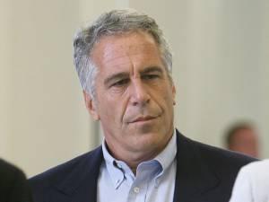 Un ami sulfureux, un appartement à Paris: ces éléments qui relient Epstein à la France