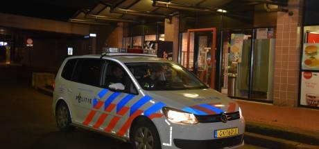 Overval bij station Dukenburg, politie zoekt twee mannen