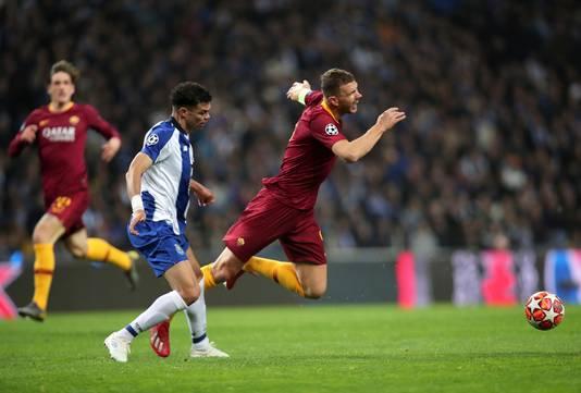 Pepe (Porto) en Edin Dzeko (AS Roma) hadden het regelmatig met elkaar aan de stok.