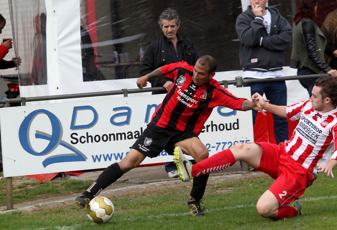 Amos Letwory werd vanmiddag matchwinner bij SC Helmondia.