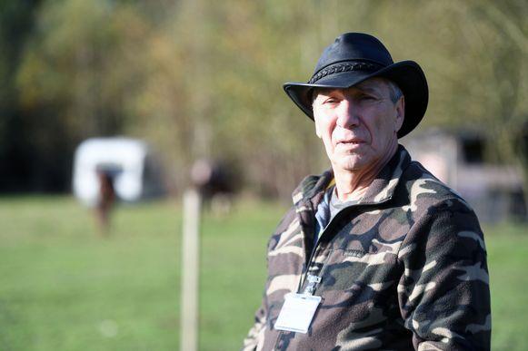 Jean Puttenaers van vzw Snuffel, een organisatie voor dierenbescherming, houdt een oogje in het zeil.