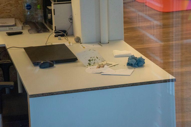 In het gezondheidscentrum kwam een verdachte brief met een rouwkaart en groen poeder toe per post.