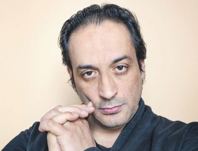 Hafid Bouazza: 'In een delirium ben je niet aan het doodgaan, je bent aan het leven! Je geest wordt rijker. Mijn boek gaat niet over doodsangst, maar over leven.' Beeld Jörgen Caris