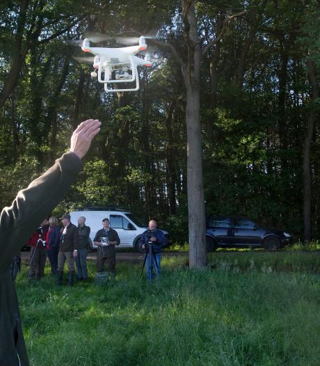Deze drone redt voor de honderdste keer een reekalf van de maaimachine