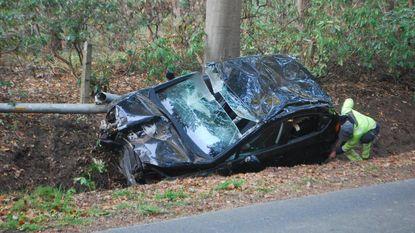 Vrouw gewond bij zwaar ongeval