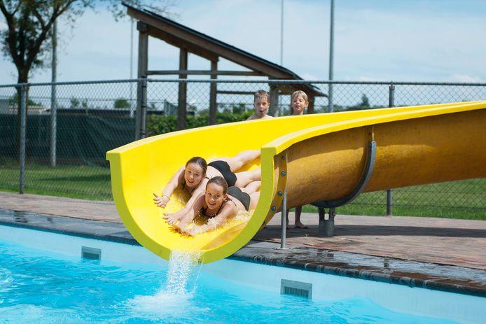 Jongeren zeggen trots te zijn op het zwembad in Heeten.