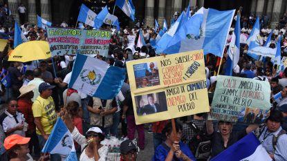 Duizenden Guatemalteken eisen aftreden president Morales