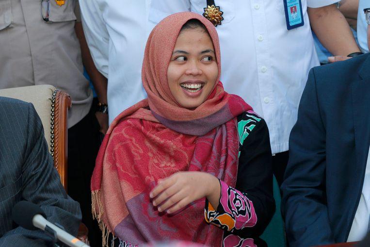 Siti Aisyah, die van de moord op Kim Jong Nam werd verdacht, bij een persconferentie na haar vrijlating in maart van dit jaar.
