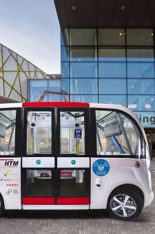 Zelfrijdende minibus brengt mensen van en naar het HagaZiekenhuis