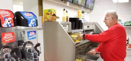 Arnhemse snackbar krijgt veel steunbetuigingen na overval: 'Wijk staat achter ons'