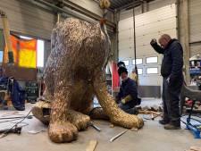 Plotseling verdwenen bronzen hond duikt op in Friesland