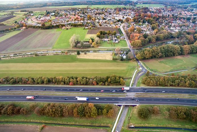De provincie gaat de mogelijkheid onderzoeken om het toekomstige geluidsscherm langs de A1 bij Bathmen met zonnepanelen uit te rusten.