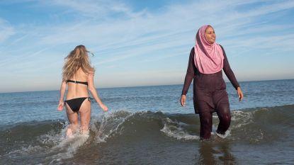 """Islamitisch raadslid wil halalstrand in Den Haag: """"Moslims voelen zich onprettig bij schaars geklede, lelijke mensen"""""""