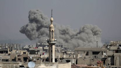 Zeker 35 doden en 40 doden door raketaanval op markt in buitenwijk van Damascus