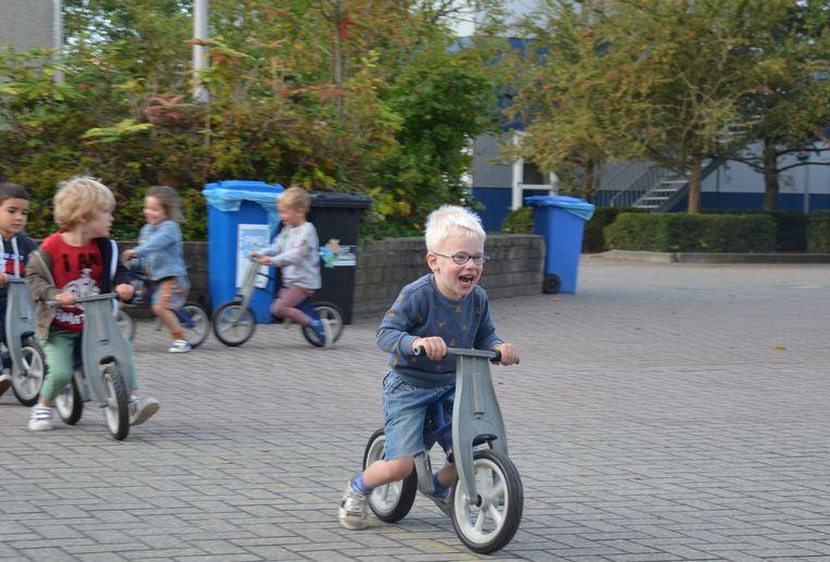 De leerlingen van basisschool Voskenslaan begonnen hun schooldag met sport en beweging.