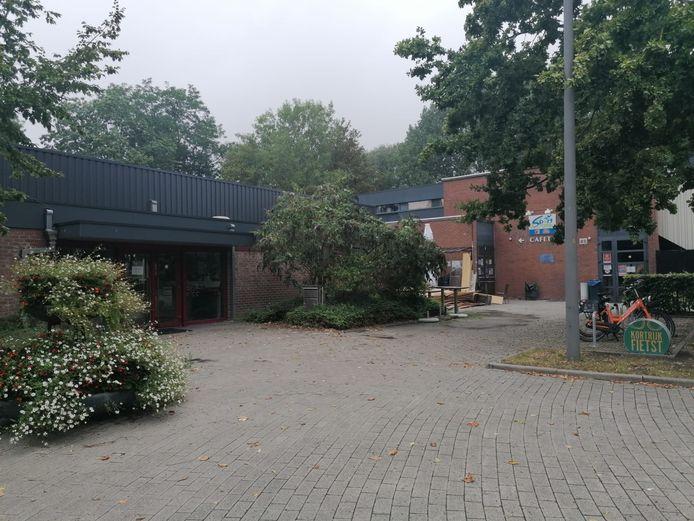 Het zwembad in Heule.