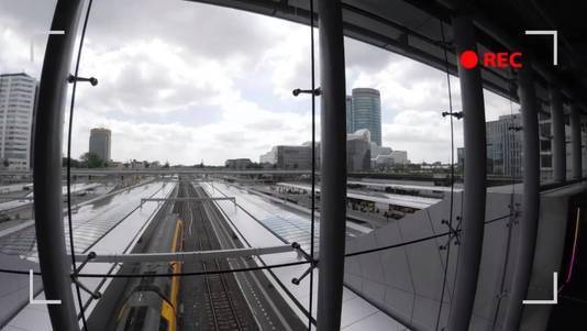 Beelden vanuit de NS-drone binnen in de stationshal van Utrecht CS