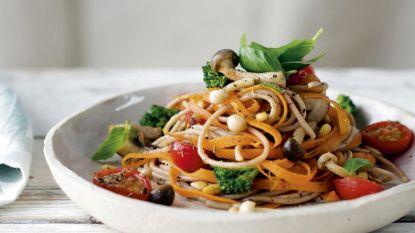 """Sandra Bekkari """"Broccoli, spruitjes, boerenkool zijn echte superfoods, zo maak je ze lekker klaar."""""""