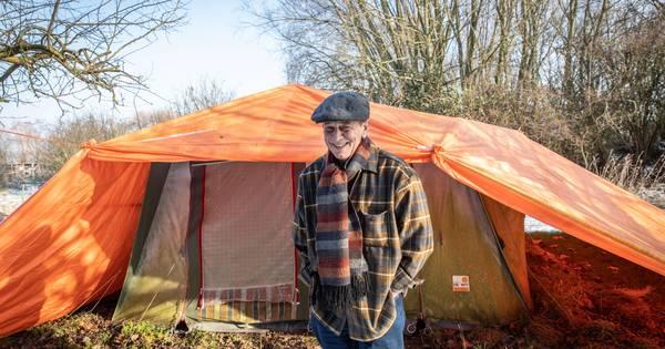 Doorgewinterde kampeerder heeft het in Zeeland naar zijn ...