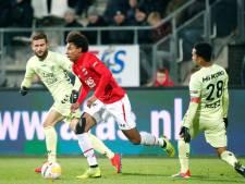 LIVE | AZ bij rust op voorsprong tegen FC Utrecht, Jensen blundert