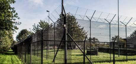 Meerdere tbs'ers braken uit, maar waar blijft het extra hek om de Pompekliniek?