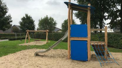 Nieuwe speeltoestellen in wijk De Wijngaard in Knesselare